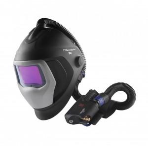 Шлем сварщика с регулятором потока воздуха